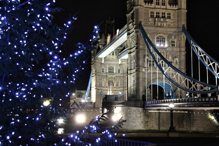 Best christmas shopping destinations in london for Time square londra