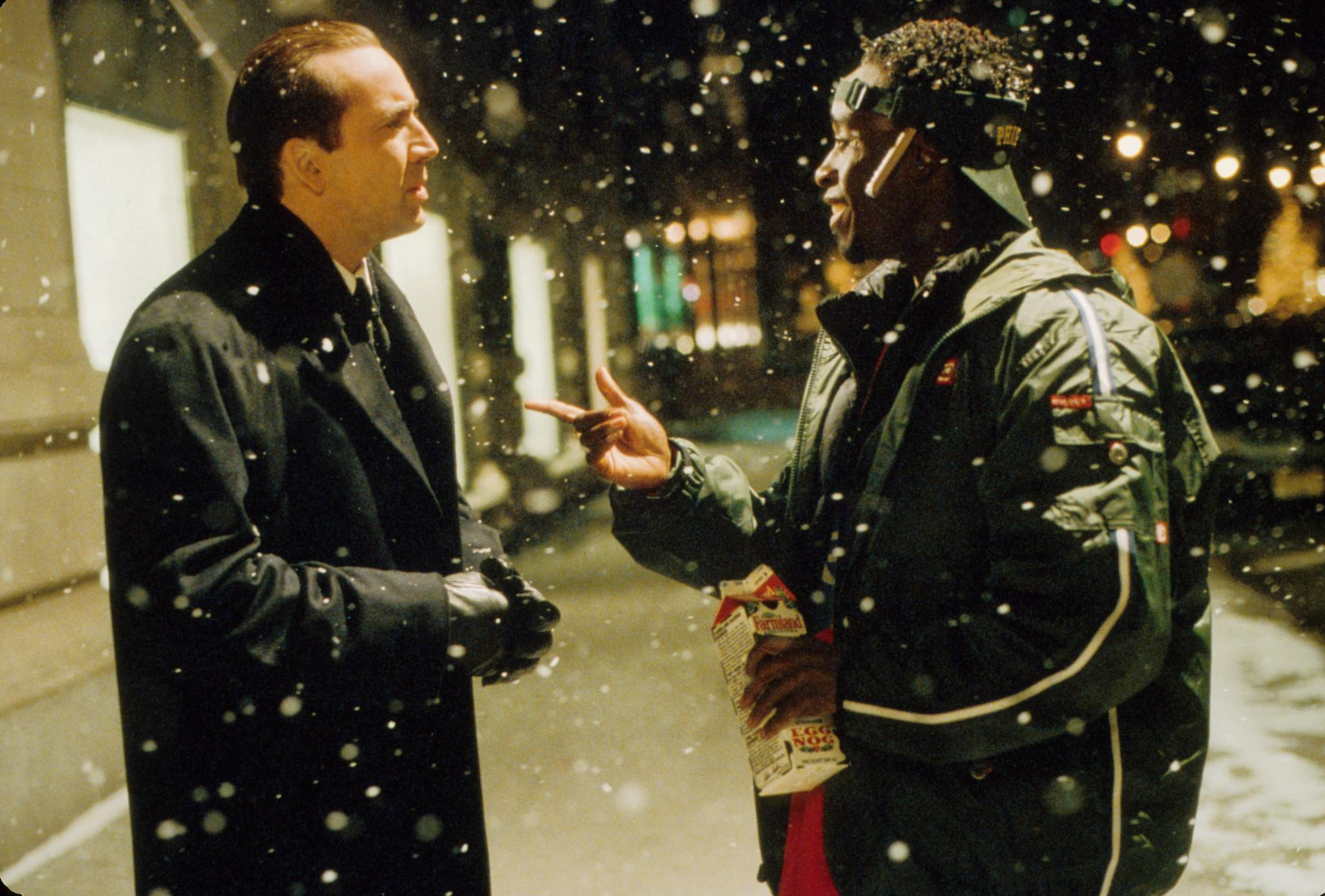 still-of-nicolas-cage-and-don-cheadle-in-the-family-man-(2000)-large-picture