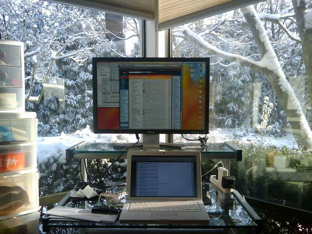 working-from-home-on-winter