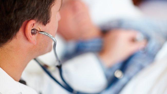824025-120922-health-doctor