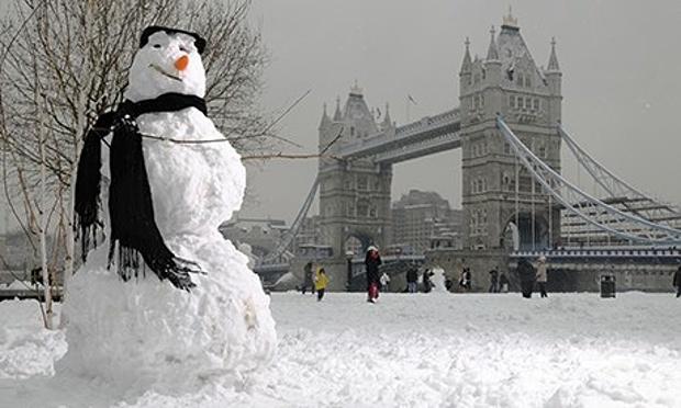 London-snowman-008