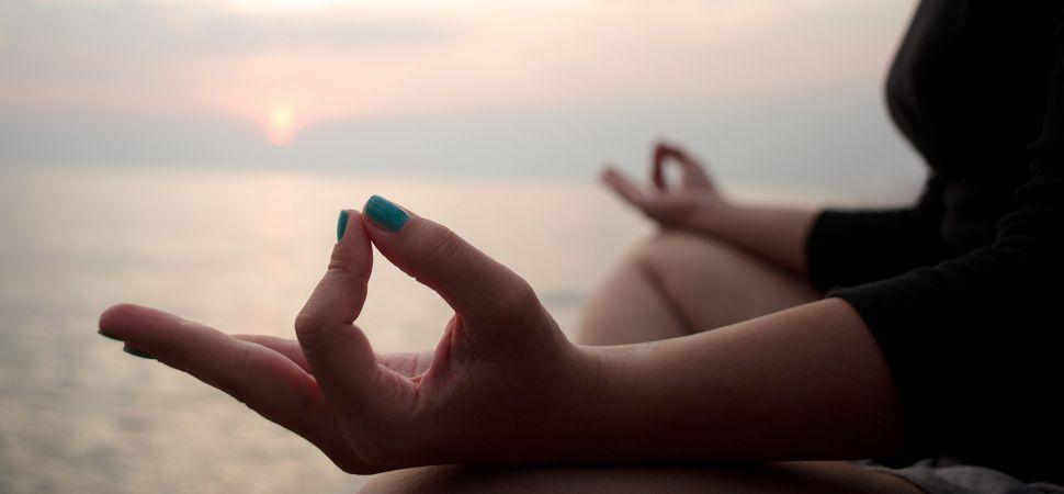 morning-yoga_1940x900_33386