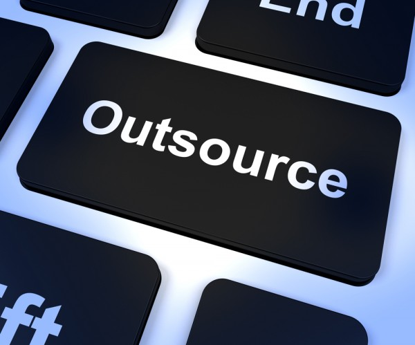 outsourcing1-600x499