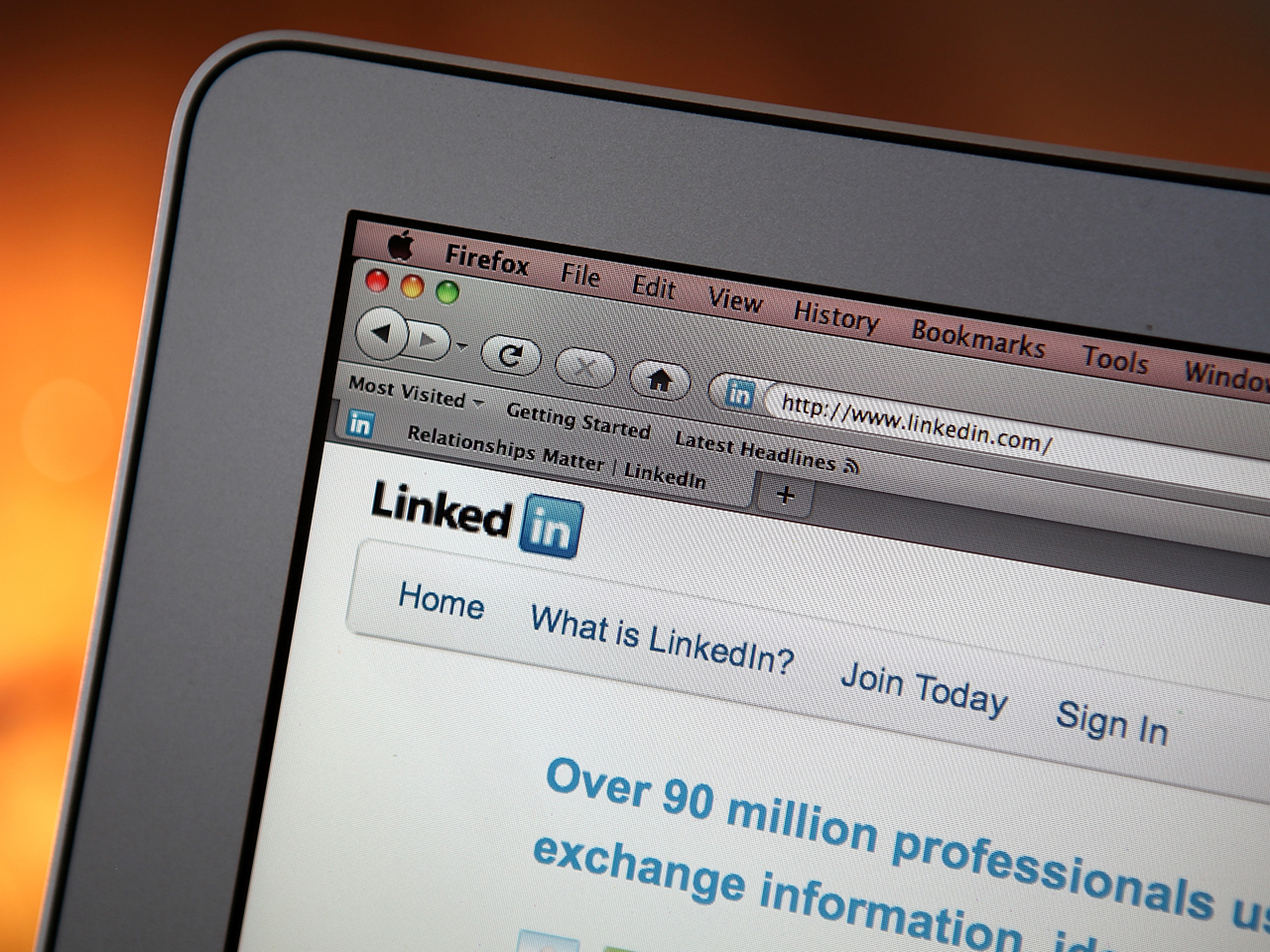 linkedin-website-on-laptop