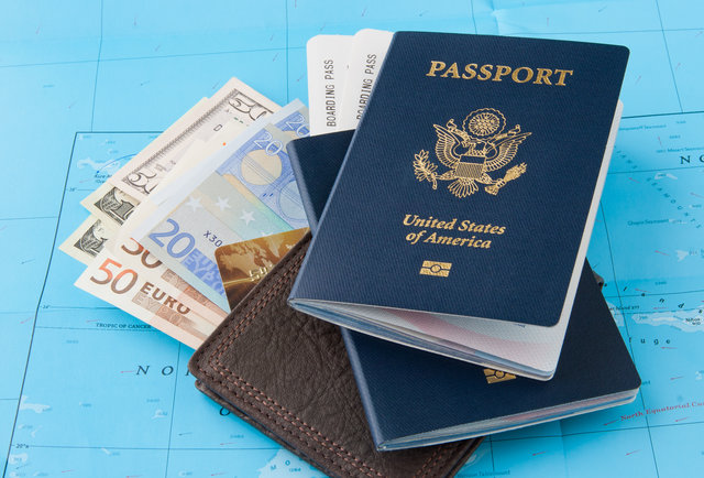10-ways-to-save-tons-of-cash-when-you-travel-in-2015