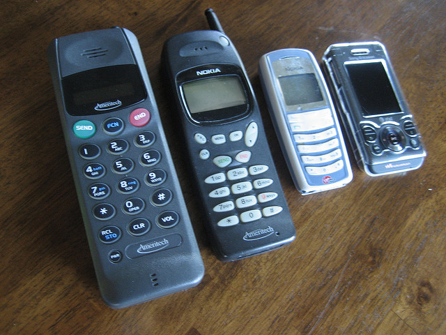 how to make money off mobile phones