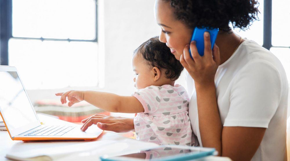 advantages of working mothers Advantage, working mothers the latest evidence makes a case for choosing a job over staying home, fuelling the mommy-wars debate.